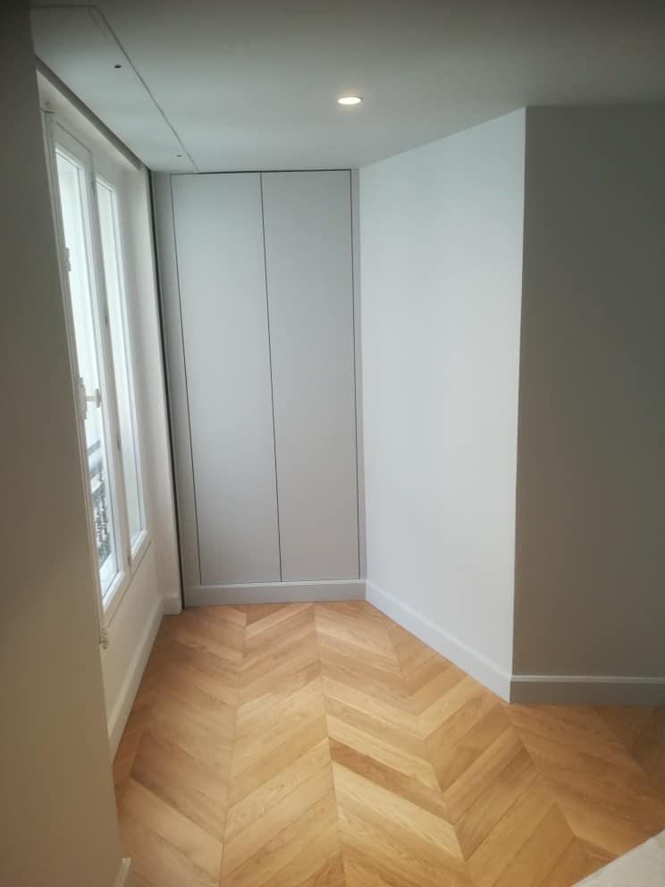 Peinture et parquet couloir Paris8